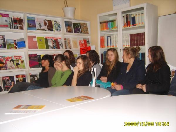 You are browsing images from the article: Warsztaty językowe w Bibliotece Austriackiej w Opolu – WEIHNACHTSFEST IN DEUTSCHLAND 03.12.2009 r.
