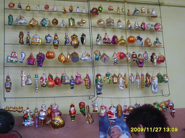 You are browsing images from the article: Wycieczka do fabryki ozdób choinkowych w Złotoryi 27.11.2009 r.